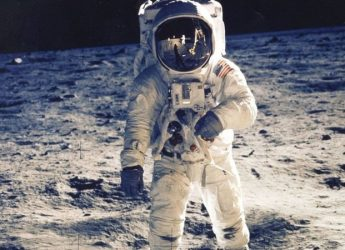Film expert explains why Moon landings would have been impossible to fake