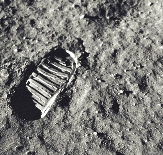 Scientists have found out how to extract oxygen from Moon's surface