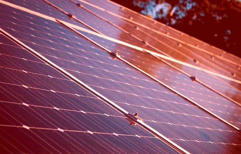 Scientists are close to inventing spray-on solar panels